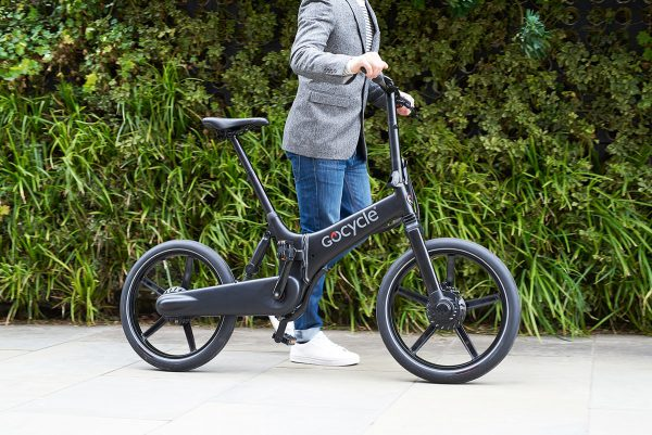 thecoolbikingcompany-Gocycle-GX-zwart-buiten
