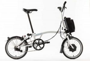 thecoolbikingcompany-Brompton-Electric-wit-zijzicht