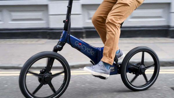 thecoolbikingcompany-Gocycle-GX-blauw-buiten